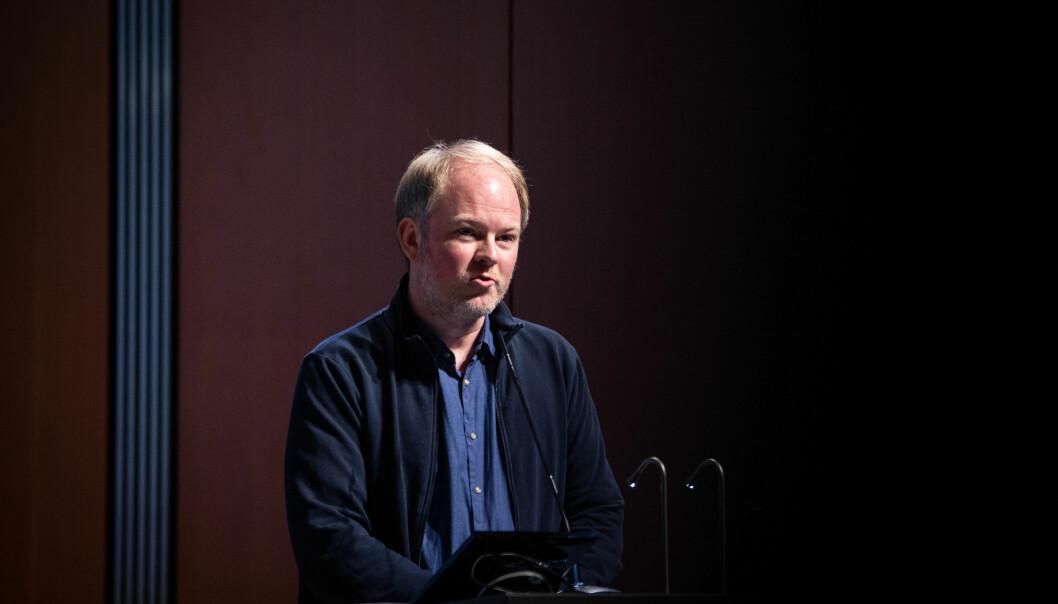 Nifu-forsker Fredrik Niclas Piro under dagens framlegging av indikatorrapporten.