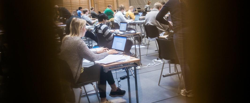 Khronos gjennomgang viser stort sprik i eksamensplanene denne høsten.