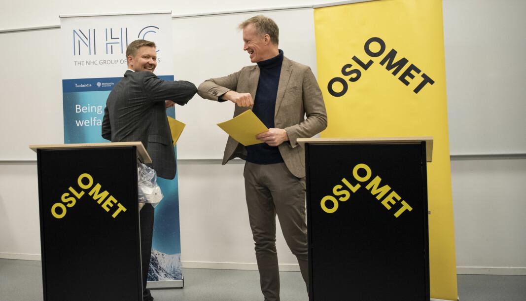 Rektor Curt Rice ved OsloMet og CEO ved NHC Group, Yngvar Tov Herbjørnssønn, har signert intensjonsavtale.