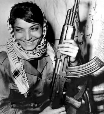 Leila Khaled i 1969, året da hun deltok i den første flykapringen.