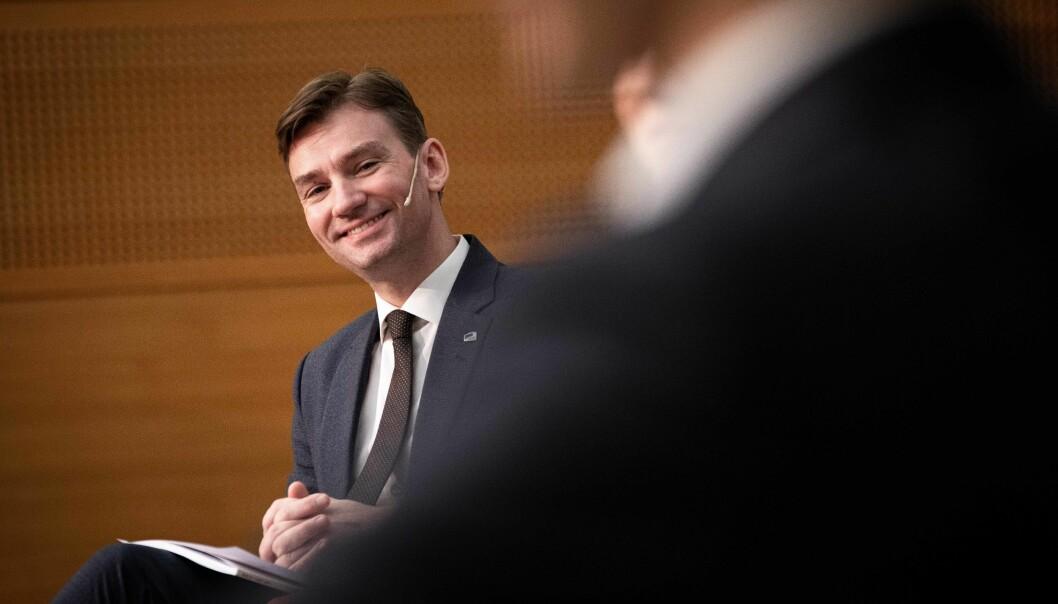 Forsknings- og høyere utdanningsminister Henrik Asheim (H) sier at målet er å unngå at mange havner varig utenfor arbeidslivet.