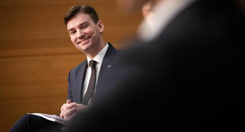 Henrik Asheim har grunn til å smila etter å ha sett tala som fortel at norsk forsking og innovasjon håvar inn penger fra EU.