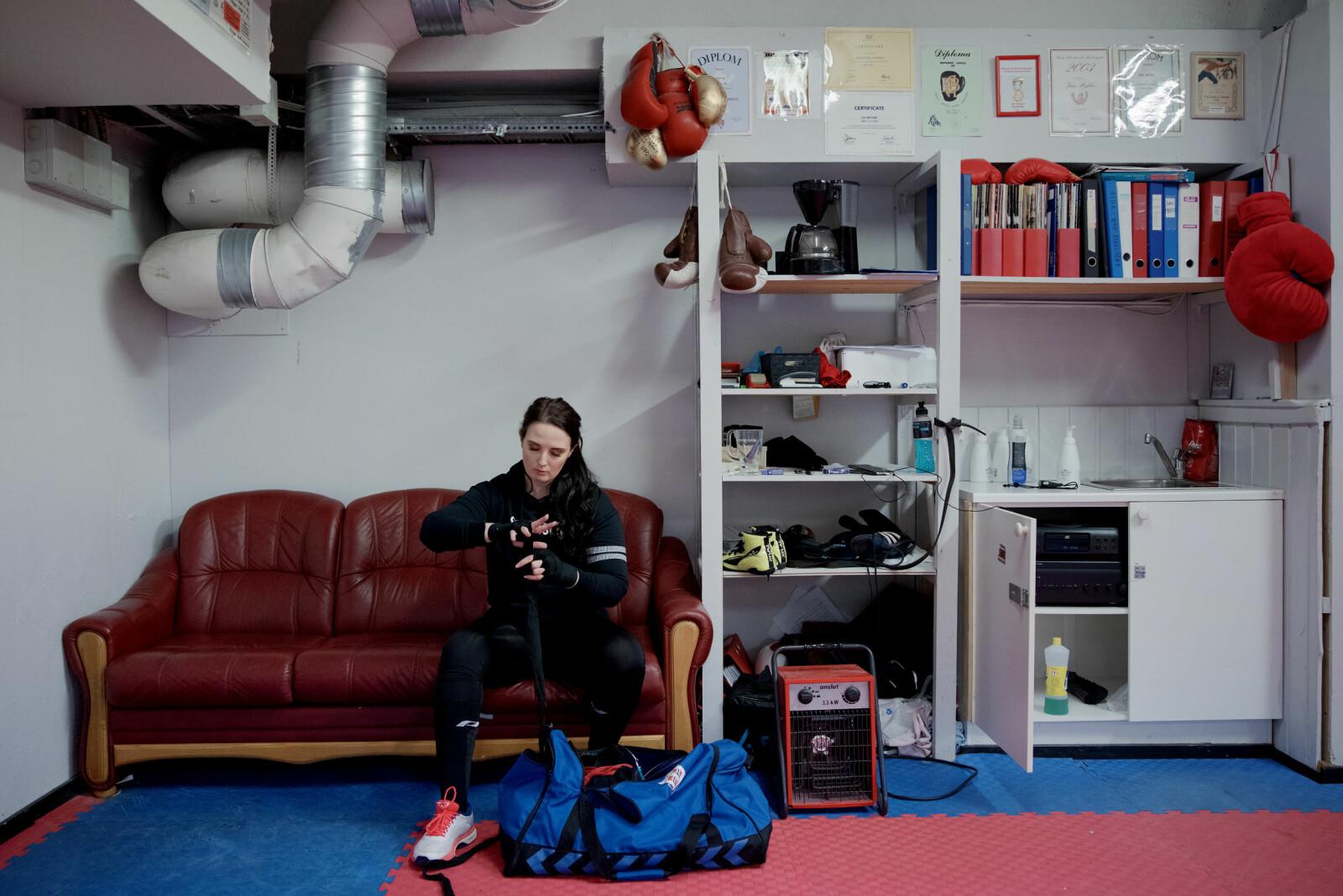 Trening, trening, trening. — Dersom eg har talent for noko, er det å bestemme meg for noko og så jobbe for å oppnå det, seier Anne Tjønndal, og meiner det same gjeld for boksing som fagleg, akademisk arbeid.