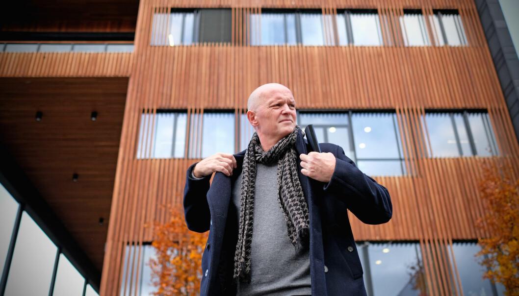 Det vedvarende smittetrykket i Bergen gjør at Høgskulen på Vestlandet og rektor Gunnar Yttri ser seg nødt til å gjeninnføre avstandskravet på campus i Bergen.