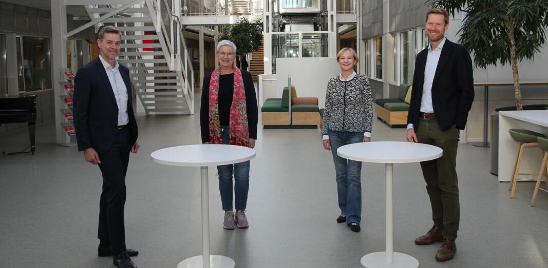 Fire direktører skal det neste halvåret drøfte hvordan de kan samarbeide tettere. Fra venstre Nils Morten Huseby(IFE), Greta Bentzen (NIVA), Kari Nygaard(NILU) og Lars Andresen (NGI).