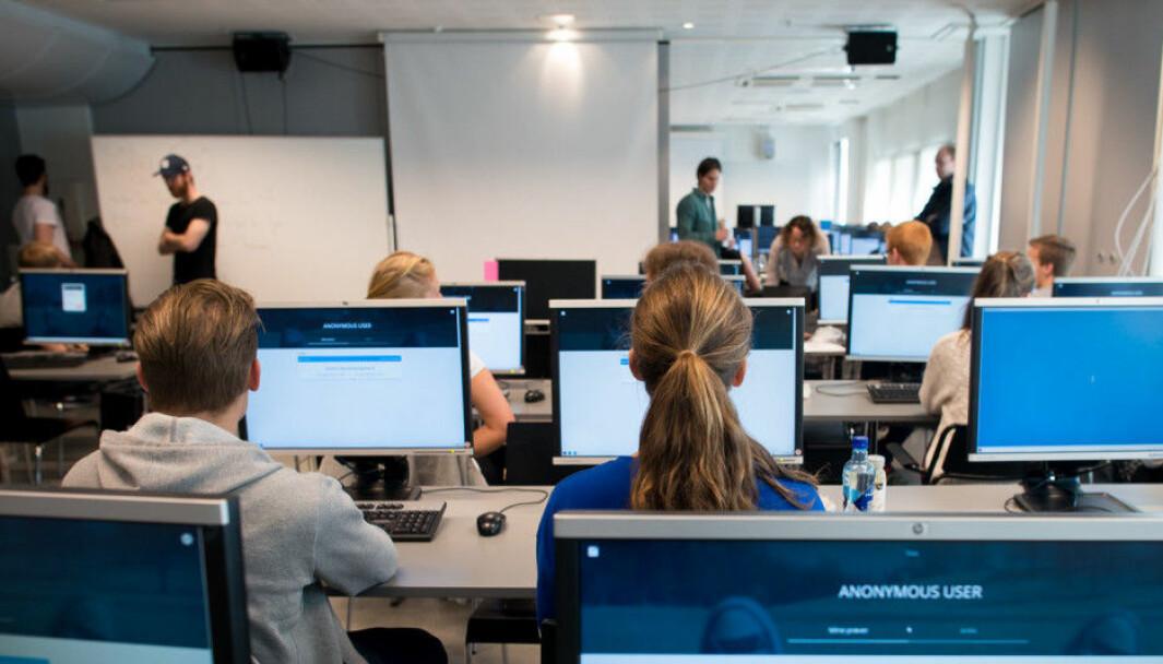Vi langt bedre forberedt nå enn for 8 måneder siden, skriver Bendik Bygstad og Egil Øvrelid ved Universitetet i Oslo. Men hvem skal bestemme hvor vi går herfra?