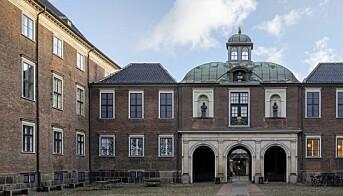 Det Kongelige Danske Kunstakademi ligg i Charlottenborg slott i København.
