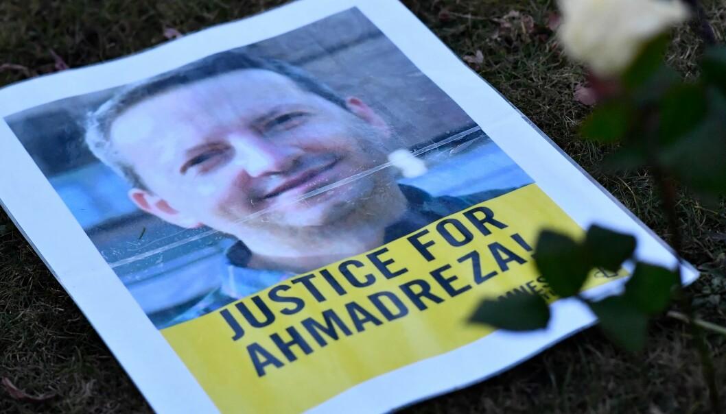 Bildet er fra en demonstrasjon utenfor den iranske ambassaden i Brussel.