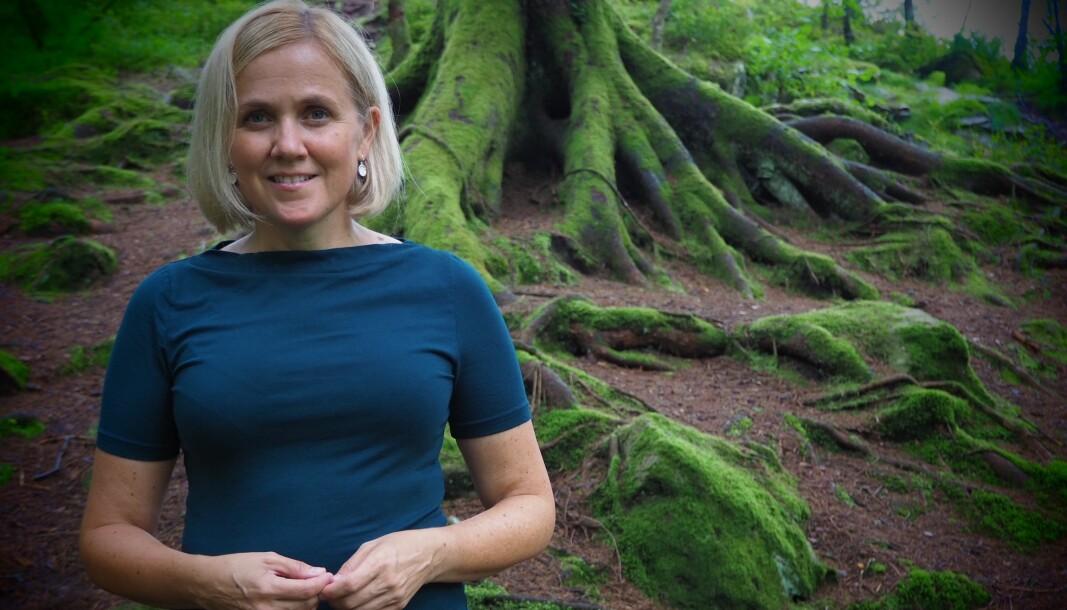 Elisabeth Norman er professor ved Institutt for samfunnspsykologi, og ein av tre framifrå undervisarar ved Det psykologiske fakultetet ved UiB. Norman underviser særleg bachelorstudentar i generell psykologi. -Ei inspirerande gruppe, seier ho.