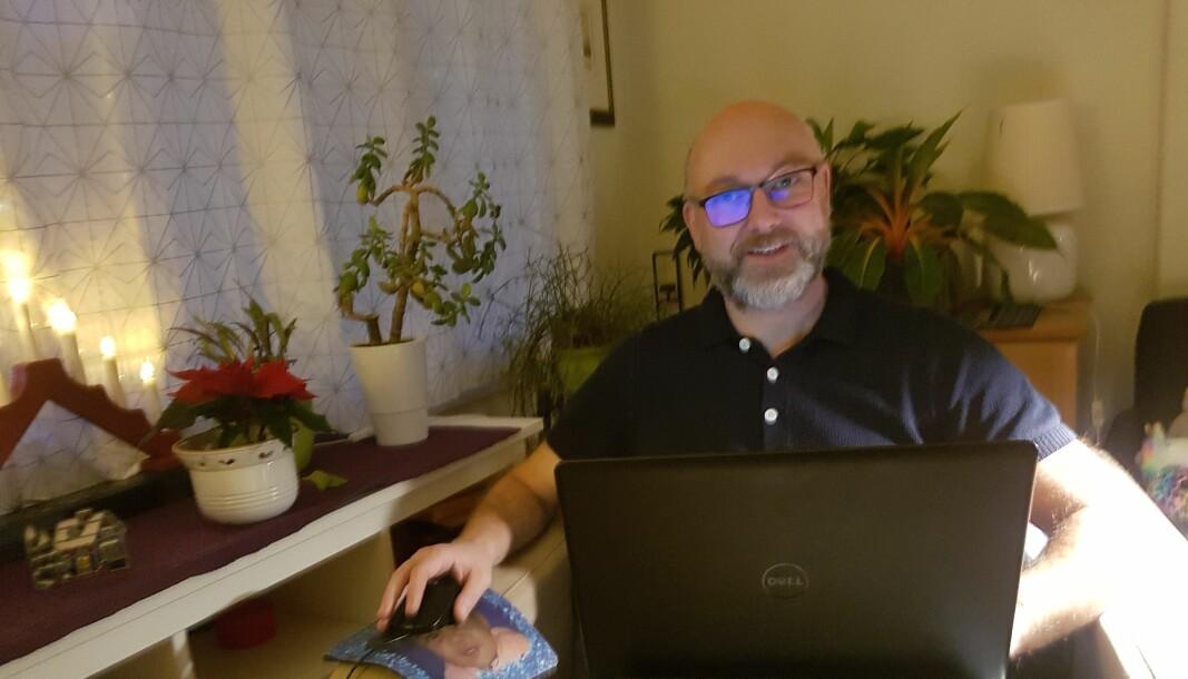 Svein Harald Milde ved Universitetet i Oslo har flyttet på hjemmekontor på grunn av smittefare, etter at han først nektet å være hjemme før arbeidsgiveren hadde lagt bedre til rette for at han kunne benytte hjemmekontoret.