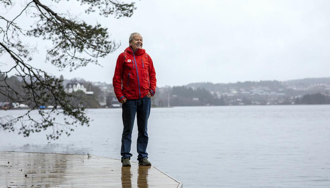 T-en på jakken viser at Petter Bjørstad er en turistforeningens mann. Han ga bort 25 millioner da han fylte 60, og er fremdeles en ivrig turgåer, og turleder.