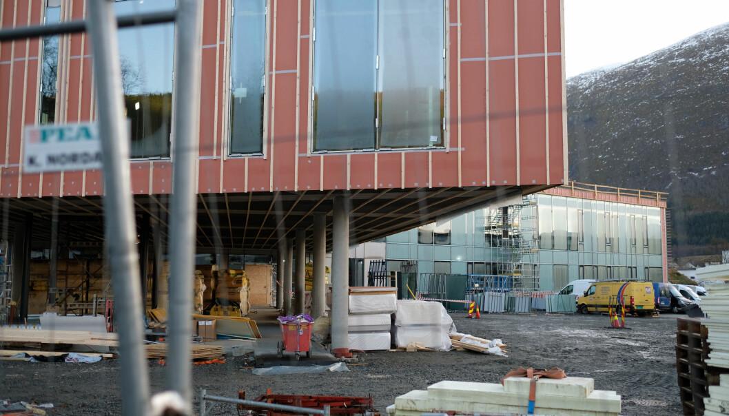 Det nye mediebygget er litt forseinka, men planen er studentar og tilsette skal kunne flytta inn til studiestart i august 2021.