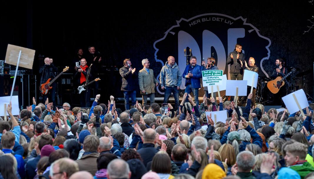 Sps Trygve Slagsvold Vedum i Namsos april 2019, saman med rundt 7000 andre som deltok i DDEs støttemarkering på Festplassen for å bevare Nord universitet i byen. Og dei vann fram.