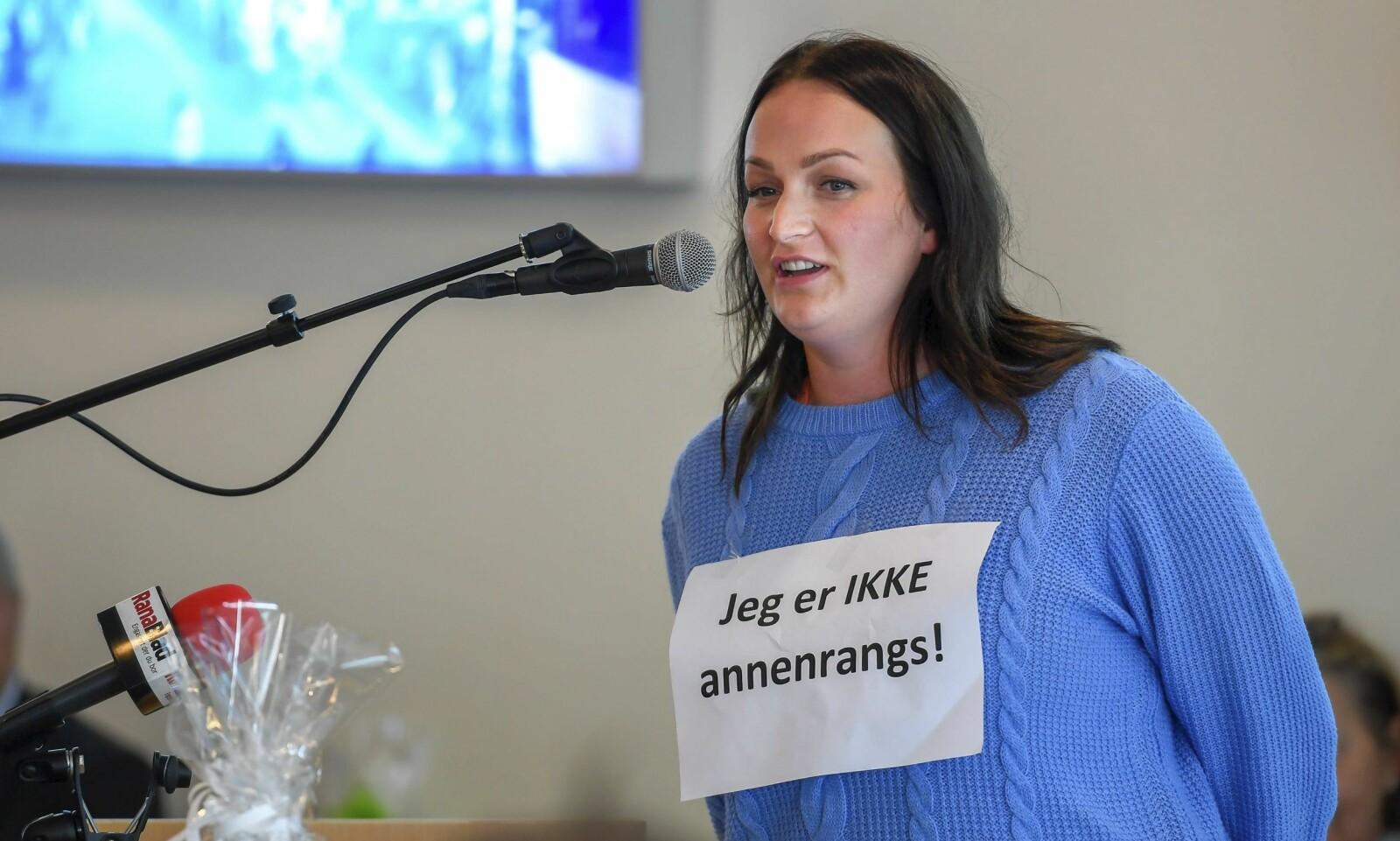 Katrine Johnsen har tatt kampen for Nesna på vegne av studentane. — Eg har tapt nokre illusjonar undervegs. Det har kosta å stå i det. Men eg har også lært mykje, seier ho.