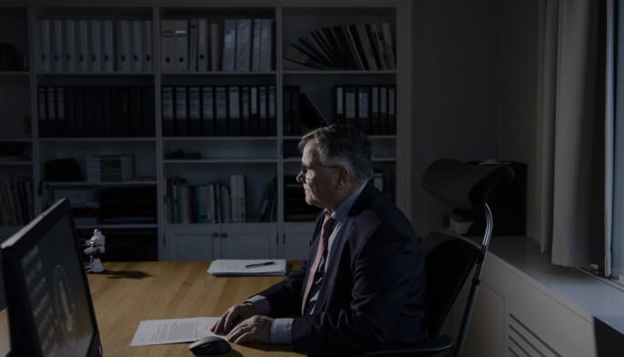 Tidligere universitetsdirektr, nå seniorrådgiver, Kjell Bernstrøm har inngått avtale med Unit om at UiB skal arbeide videre med arbeidslivsportal.