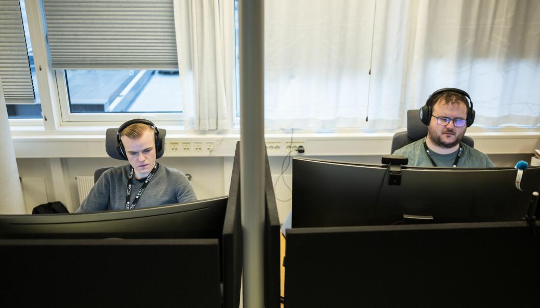 — Vi opplever mye rart i jobben, men forsøker å hjelpe så langt som råd, forklarer Magnus Pedersen (t.v) og Kenneth Nesdal. Som har flere års fartstid på IT-avdelingen hos NTNU. Nesdal helt fra 2005.