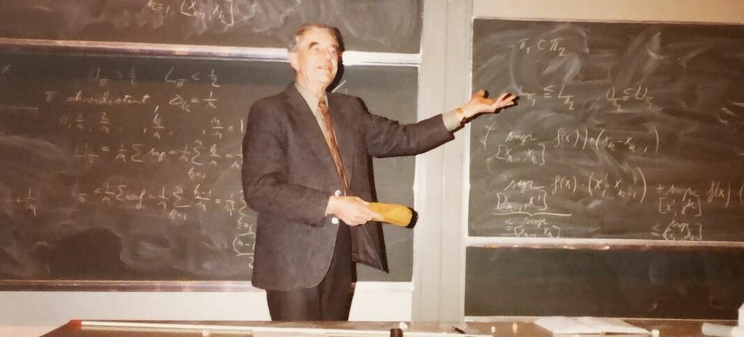I 33 år jobba han som professor. Men i all hemmelegheit hadde Ernst Selmer ein jobb til — for Forsvaret