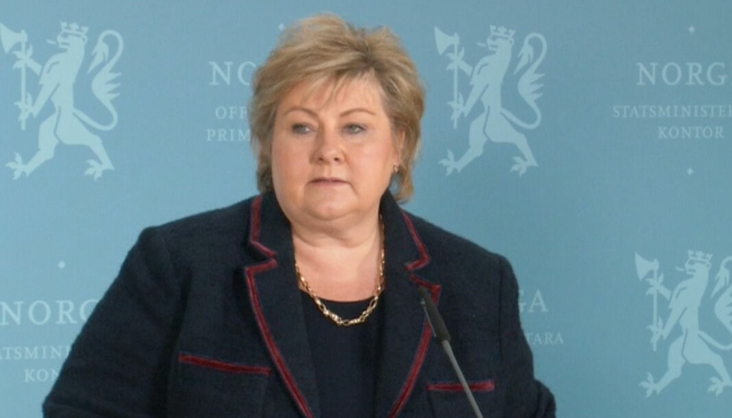Statsminister Erna Solberg under pressekonferansen sundag 3. januar