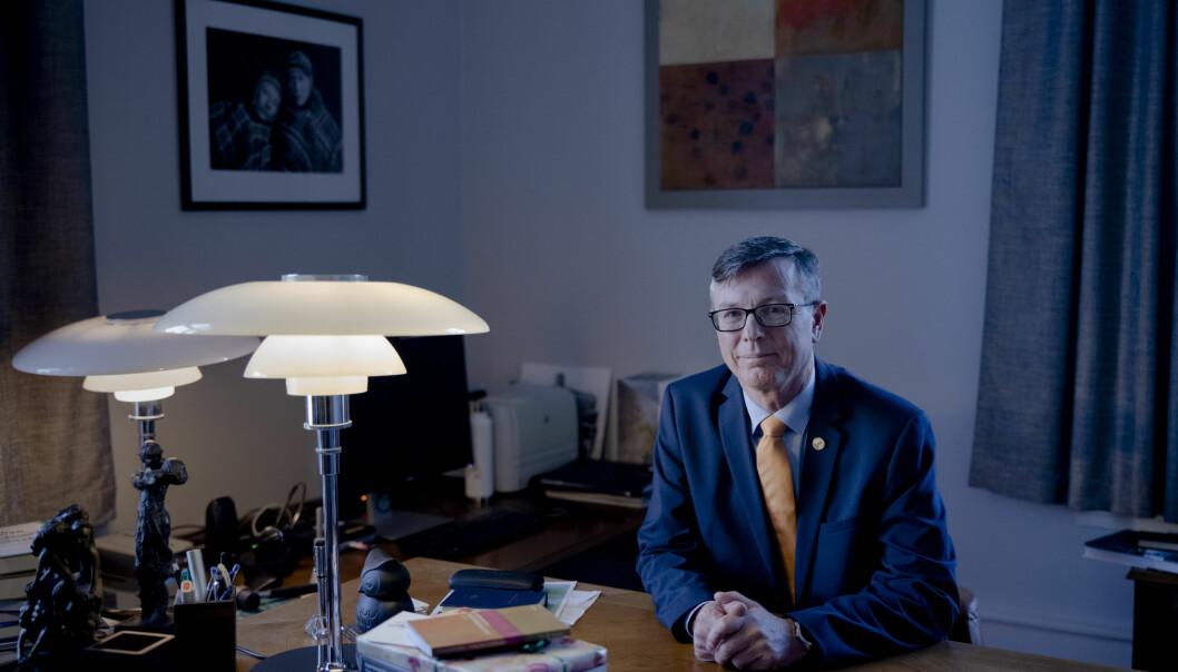 Dag Rune Olsen vil tiltre som rektor ved UiT med en stygg ripe i lakken, mener Nordlys-redaktør Skjalg Fjellheim.