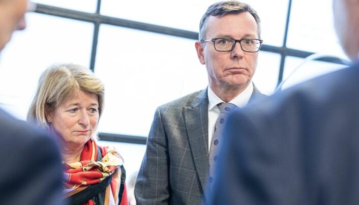 Avtoppende UiT-rektor Anne Husebekk og påtroppende UiT-rektor Dag Rune Olsen - her på kontaktkonferanse i januar 2020.