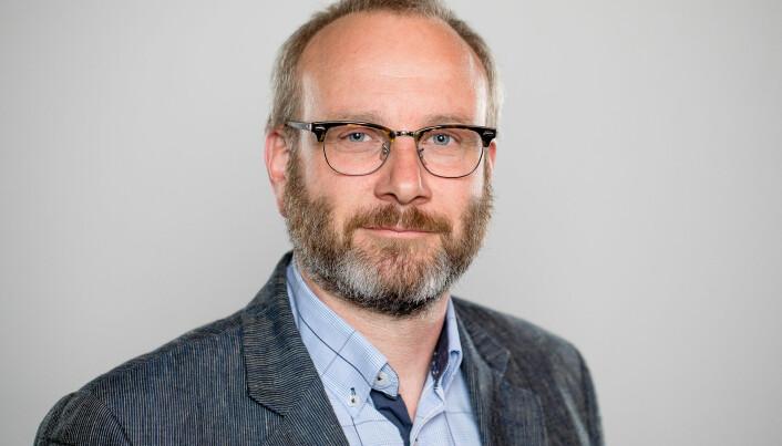 Økonomidirektør ved NMBU, Hans Christian Sundby, sier at avvik fra markedspris der det foreligger prisgarantier vil være en del av avtaleoppfølgingen mot leverandør.