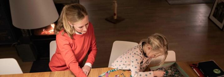 Språkforsker og småbarnsmor: Mye forskning satt på vent