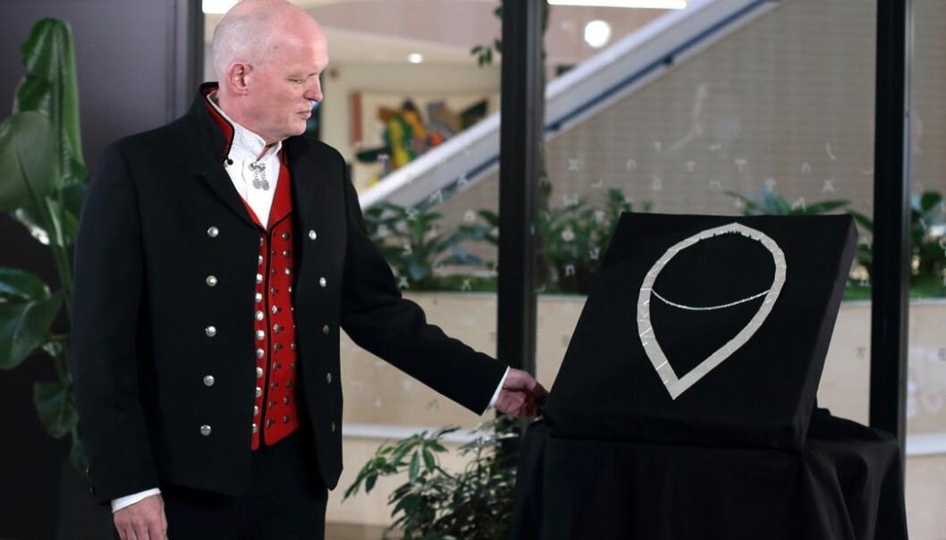 -Det å få ei slik mottaking, ein eigen seremoni, set eg umåteleg stor pris på, sa nyerektoren Gunnar Yttri.