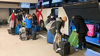 150 studenter kjøres rett fra flyplassen og til karantene