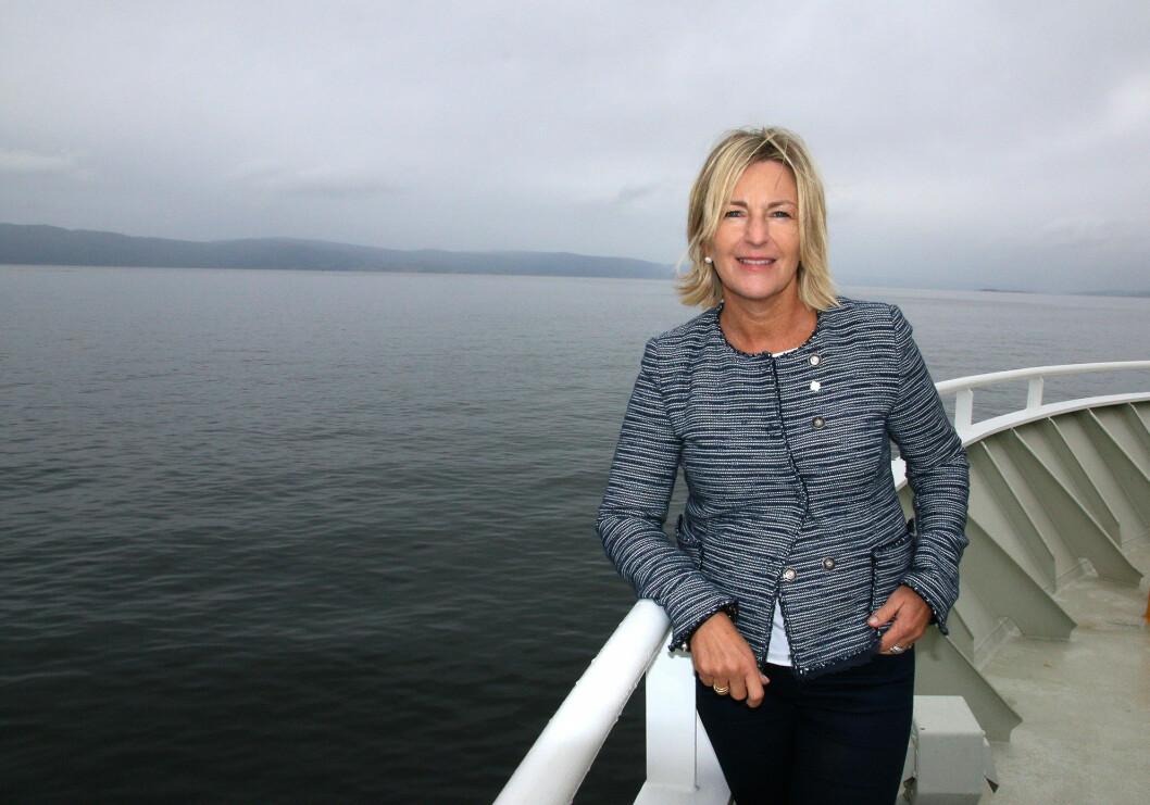 Ingrid Schjølberg er dekan på Fakultet for informasjonsteknologi og elektroteknikk ved NTNU. Bildet er tatt ombord på forskningsfartøyet FF Gunnerus i forbindelse med åpningen av Trondheimsfjorden som testområde for førerløse fartøy.