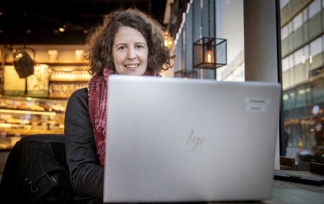 Til våren skal Jessica P. Belisle Hansen disputere for doktorgraden med ei avhandling om tolking ved bruk av videosamtalar på sjukehus. Pandemien med nedstenging av fysisk undervisning har brått gjort materialet meir aktuelt enn ho hadde forestilt seg.