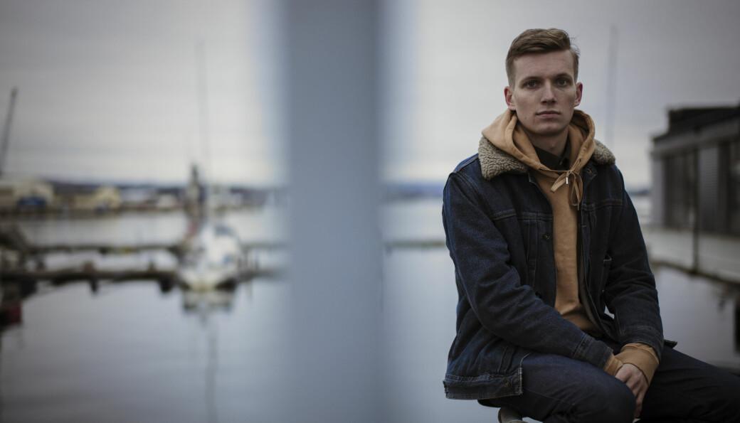 Mathias Augestad Ambjør har kommet inn på masterstudier ved prestisjetunge Royal Academy of Dramatic Art i London. Nå har pandemien satt både byen og studiestedet i unntakstilstand. De første månedene er skolen tvunget til å bare gi digital undervisning til skuespillerstudentene.