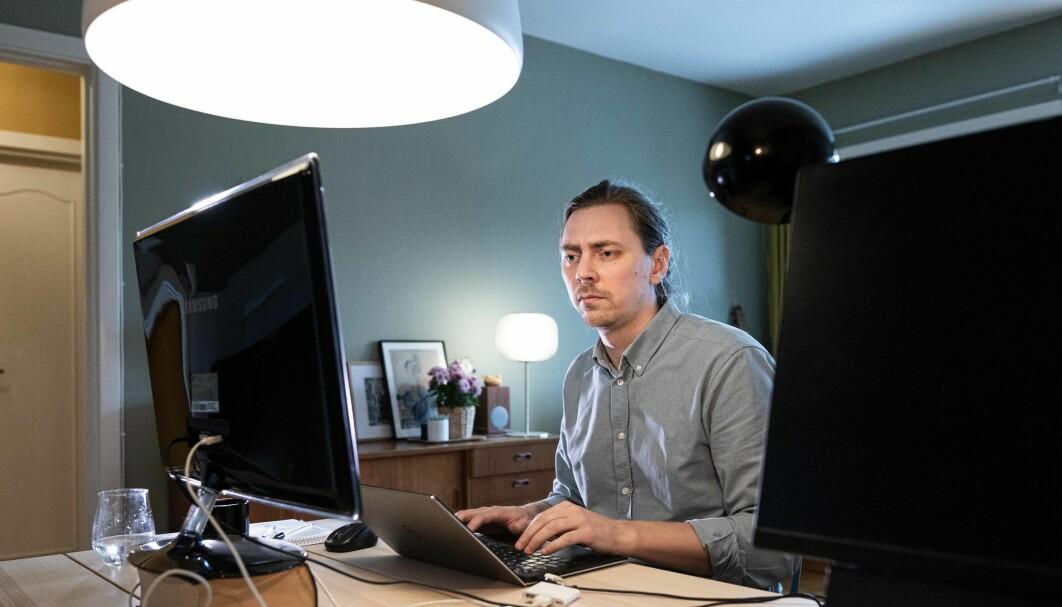 Fysiker og postdoktor Anders Kvellestad på hjemmekontoret. Han har tre år igjen av sitt engasjement ved Universitetet i Oslo.