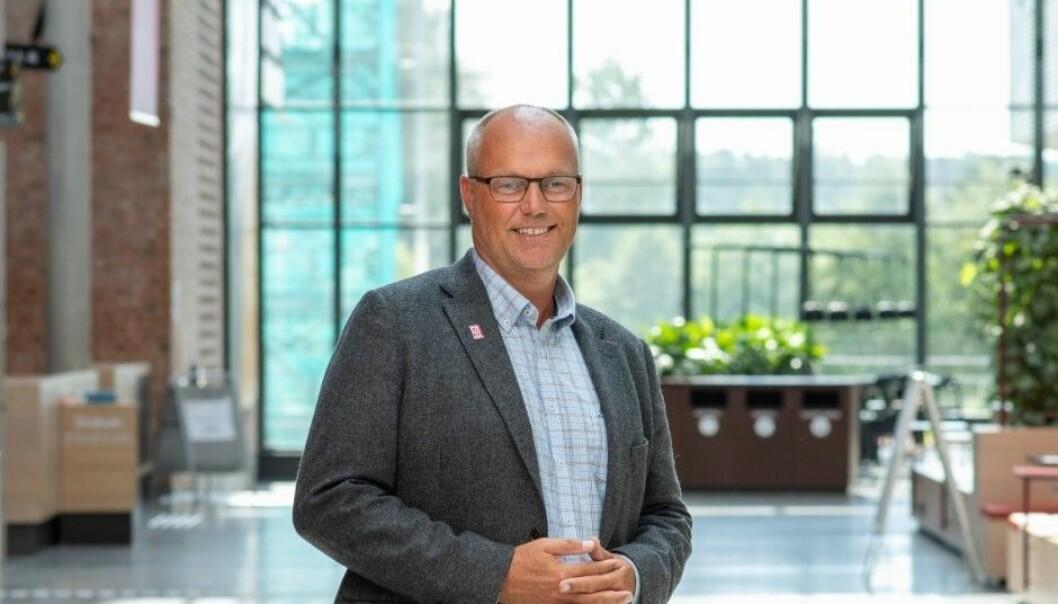 Morten Brekke ved universitetet i Agder vil at regjeringen utreder konsekvensene av sitt forslag om gjeninnføring av krav om to sensorer.