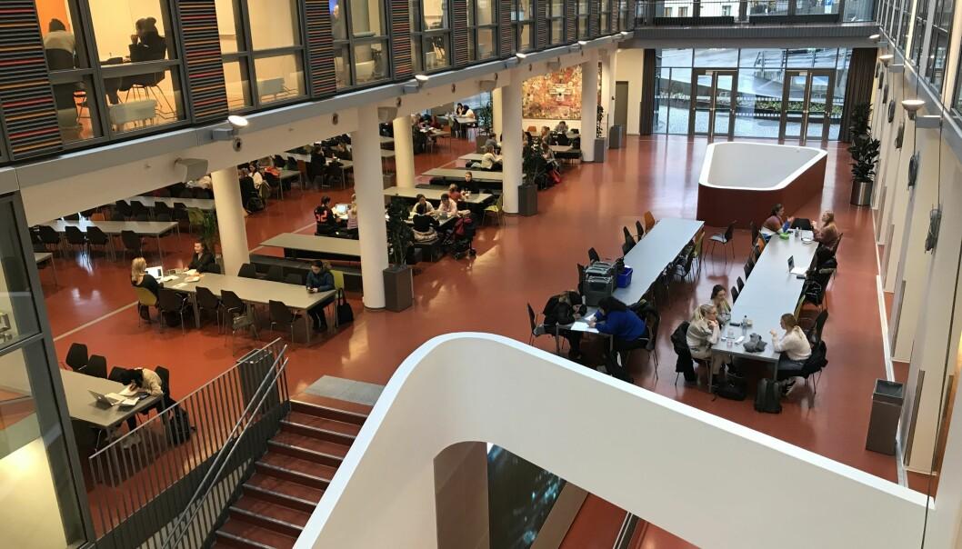 Bygget P32 huser sykepleierutdanningen til OsloMet. Nå har ansatte på instituttet foreslått kantina som ny vaksinesenter for Oslo kommune.
