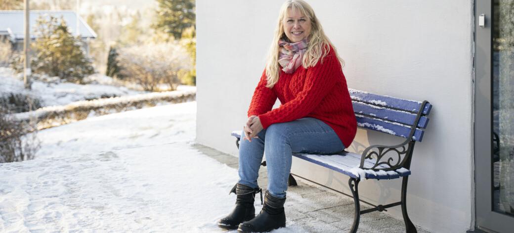 May Østby har etter hvert opparbeidet seg mange år med erfaring med inkluderende forskning. I 10 år har hun samarbeidet med Ole Magnus Oterhals, et samarbeid som har resultert i flere forskningsartikler.