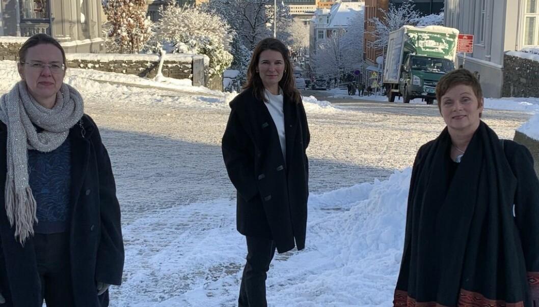 Elisabeth Ivarsflaten, Marit Skivenes og Siri Gloppen ønskjer seg eitt statsvitskapeleg institutt ved Universitetet i Bergen. Dei tre kvinnene leiar i dag kvart sitt forskingssenter, og hentar inn eksterne midlar.