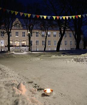 Faklar i vintermørket for å ønska studentane velkommen tilbake i Trondheim.
