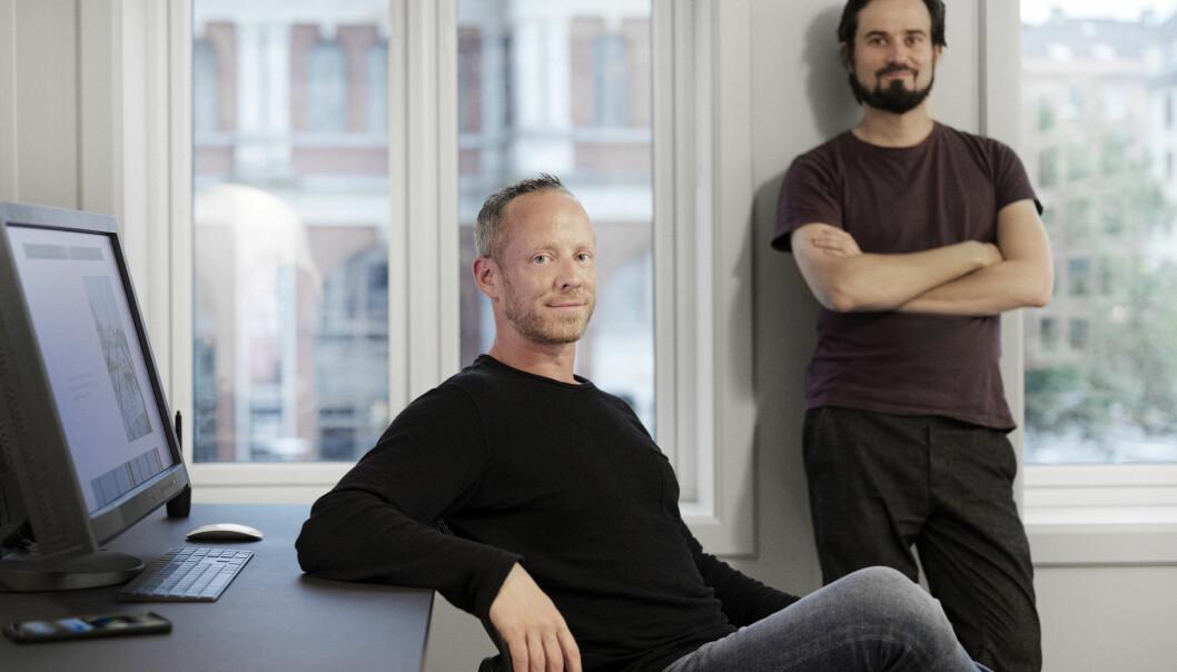 — Vi håper å senke terskelen for sosial kontakt, sier Jesper Algaard, daglig leder og gründer av selskapet Friendr AS (t.v.). Her sammen med medgründer og UX-lead, Jonas Boström (t.h.).