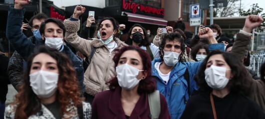 Hard kamp om tyrkisk prestisjeuniversitet — flere hundre er blitt arrestert