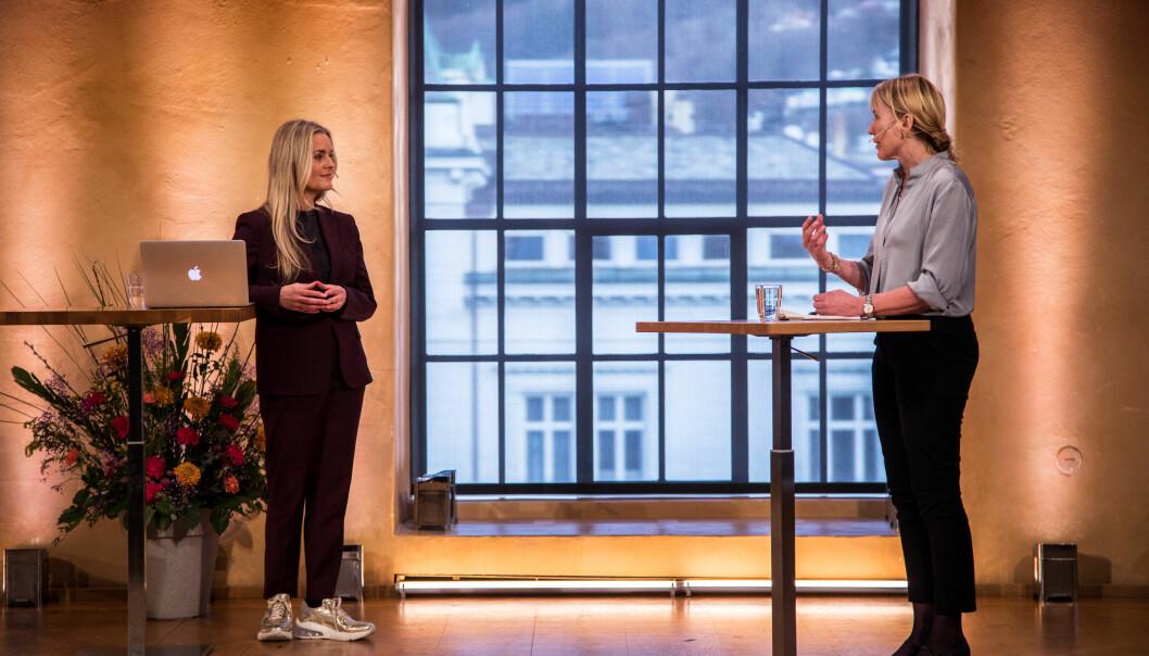Eg vil og eg kan, sa rektor - og rektorkandidat - Margareth Hagen på spørsmål frå Hilde Sandvik om kvifor ho ønskjer å leia UiB dei fire neste åra.