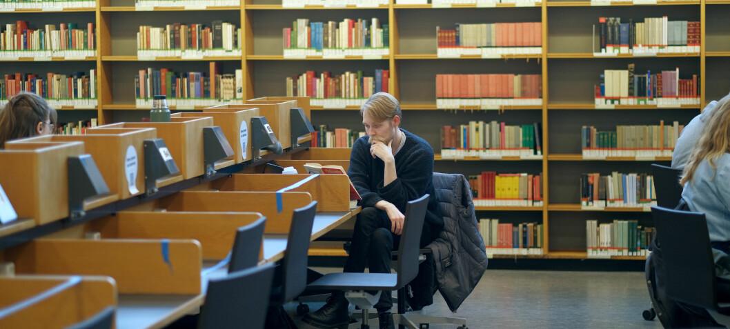 Studentene tilbake på campus. Men flere lesesalplasser står tomme