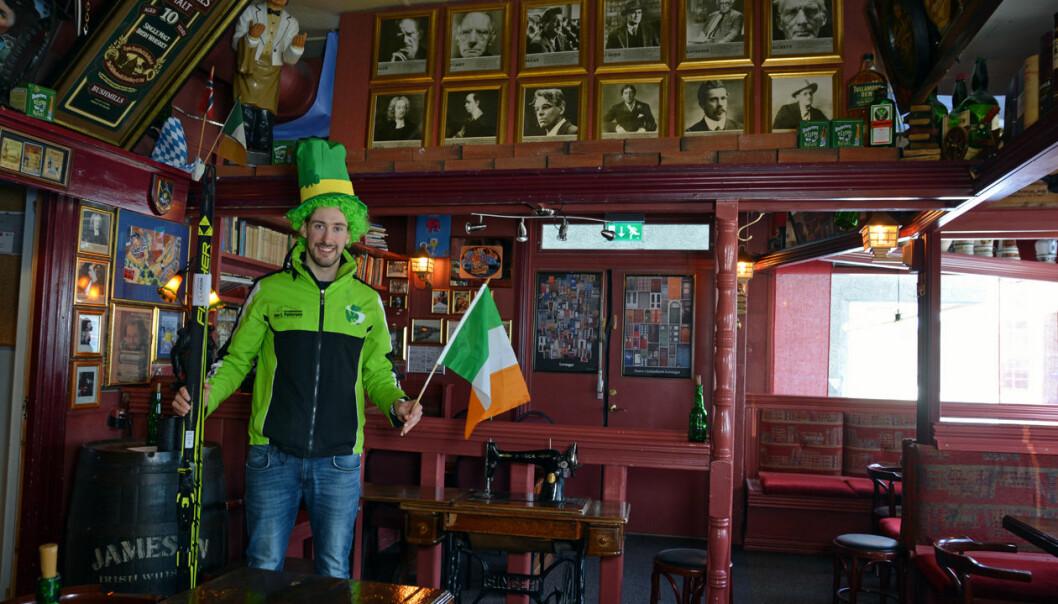 Thomas Maloney Westgård tok en tur innom den irsk-inspirerte puben Oskars i Leikanger.