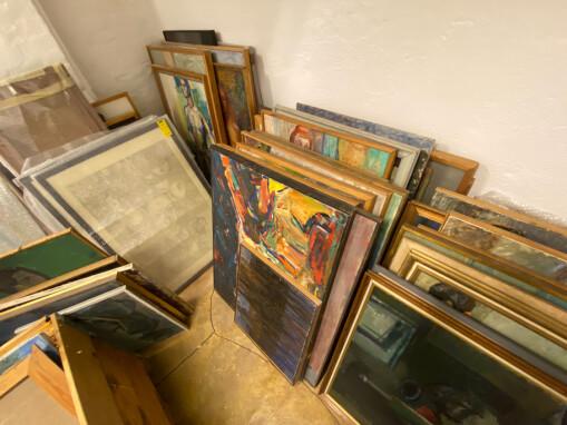 Ga kunst fra forsømt kunstsamling i gave til avgått direktør