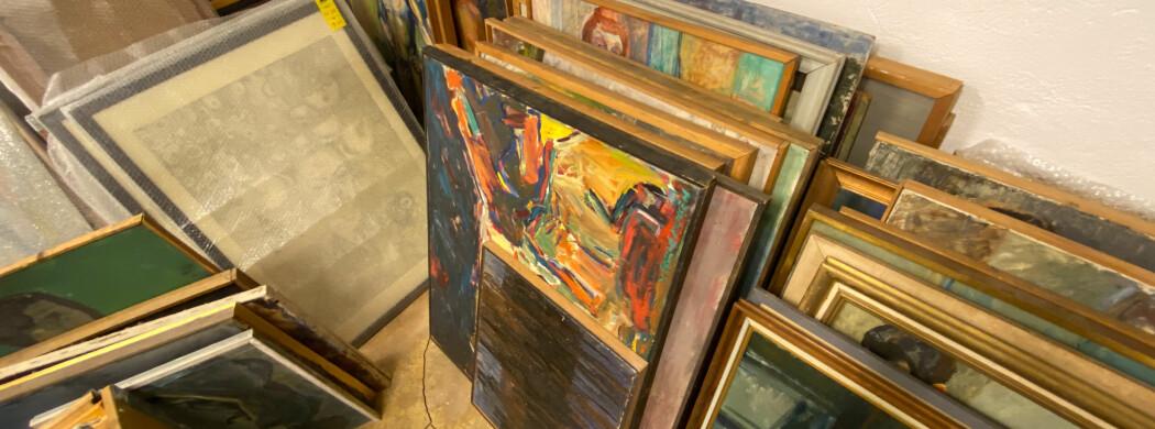 Ga kunst fra forsømtkunstsamling i gavetil avgått direktør