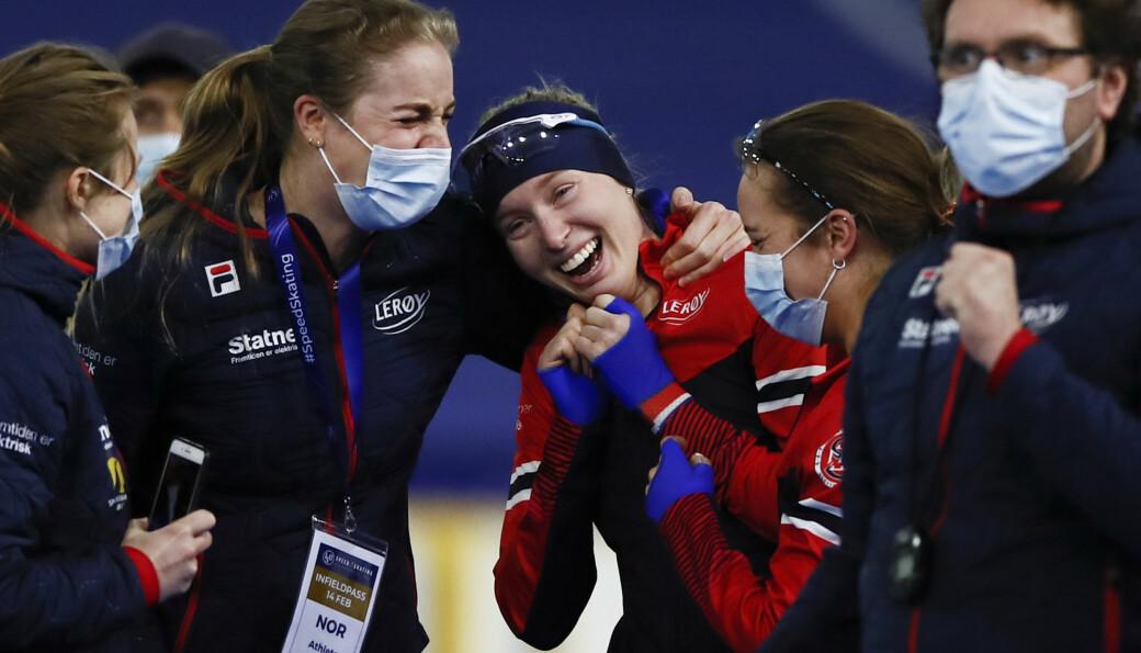 14 februar 2021 ble Ragne Wiklund den første norske kvinnen som tok VM-gull på en enkeltdistanse på skøyter. Livet som toppidrettsutøver kombinerer hun med å studere miljøfysikk og energi ved Norges miljø- og biovitenskapelige universitet på Ås