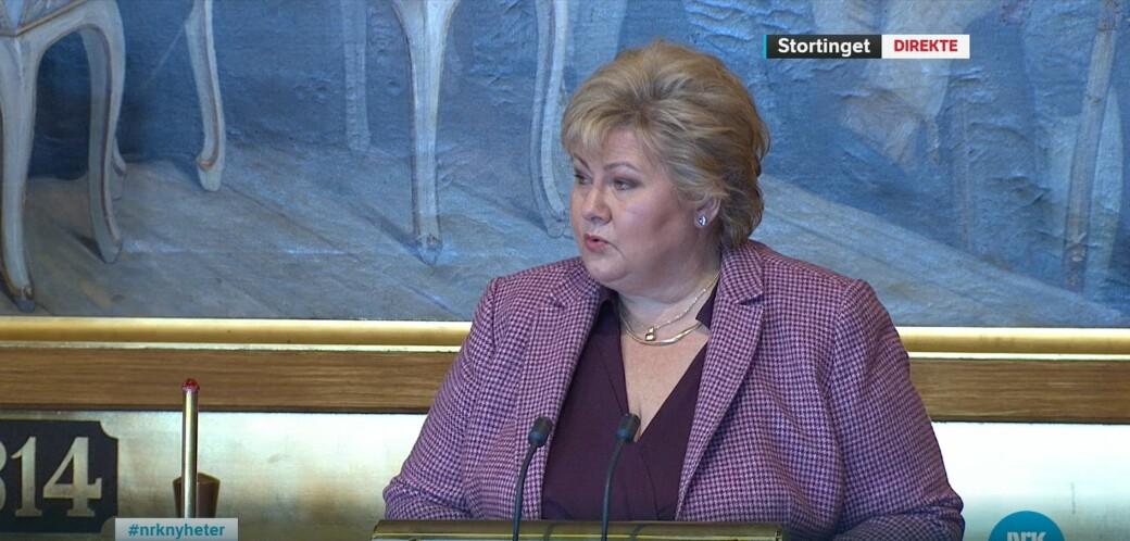 Erna Solberg informerte om koronasituasjonen i stortinget tirsdag. Situasjonen følges dag for dag, informerte statsministeren.