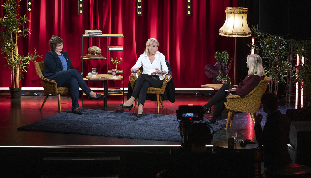 Rektorkandidat Oddrun Samdal (t.v) og rektorkandidat Margareth Hagen ved universitetet i Bergen.