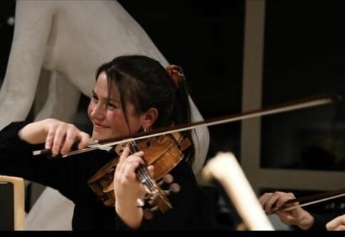 Studerer på toppskole for musikk i London, men nektes utvidet stipend