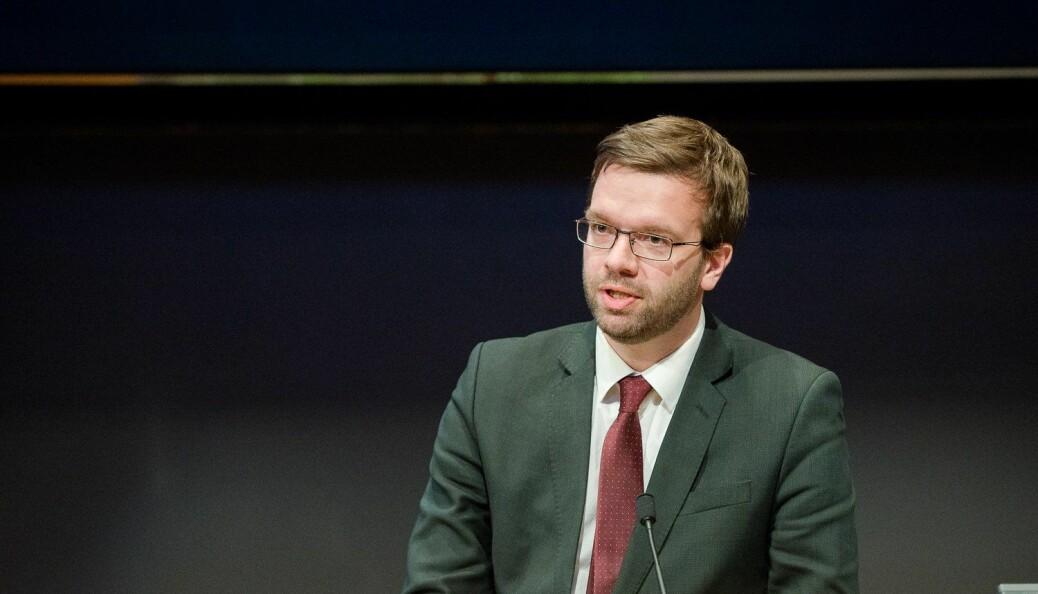 Jussprofessor Markus Hoel Lie ved UiT mener Knudsen/Olsen-saken fra UiB kan brukes som grunn for å terminere ansettelsen av tidligere UiB-rektor Dag Rune Olsen som rektor ved UiT Norges arktiske universitet.