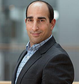 Prorektor Amir Sasson ser frem til å kunne tilby to-årig master i forretningsjuss ved Handelshøyskolen BI fra høsten 2022,